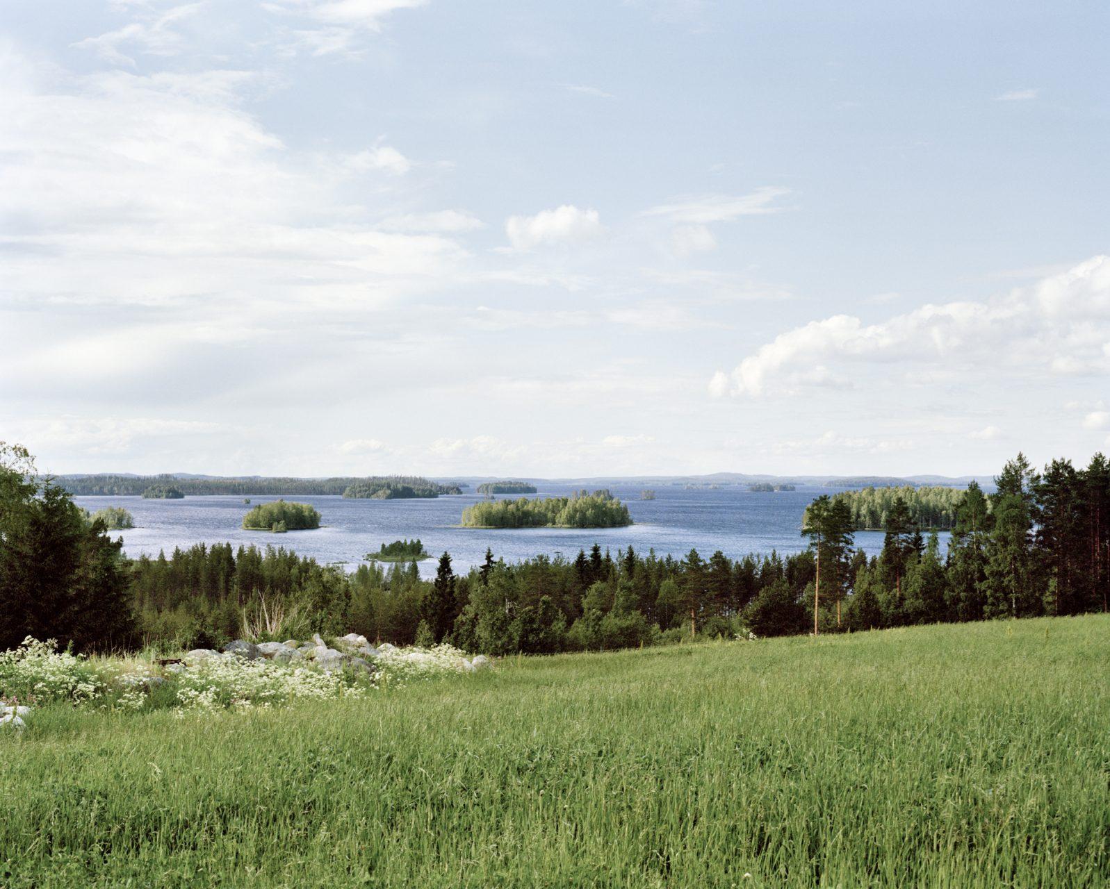 Kasaniya (Tracks), c-print, 100x120, 2013 / Finland, North Karelia, the outskirts of Ilomantsi. Lake Siitari. The place connected with the rune singer Mateli Kuivalatar.