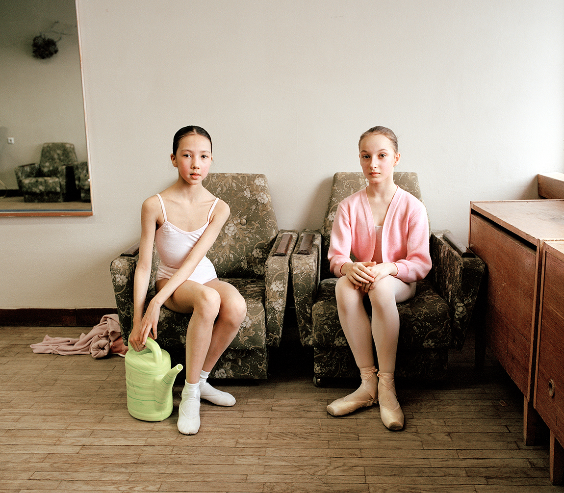 Islanders, In the corridor (4), c-print on dibond, 80x100, 2003